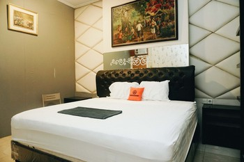 KoolKost near University of Surabaya Surabaya - KoolKost Suite Room Gajian