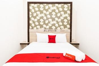 RedDoorz Plus @ Centrium Katamso Medan Medan - RedDoorz Room Basic Deal