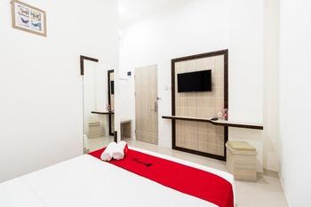 RedDoorz Plus @ Centrium Katamso Medan Medan - RedDoorz Room with Breakfast Regular Plan