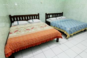 Hotel Sala 3 Yogyakarta - Family Room Basic Deal 38%