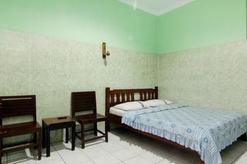 Hotel Sala 3 Yogyakarta - Standard Room With Fan Basic Deal 42%