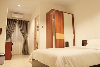 Lotus Hotel Bandung - STANDAR Hot Deals!