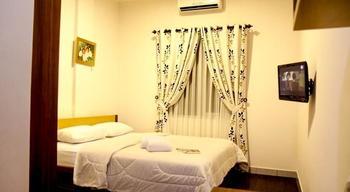 Lotus Hotel Bandung - Standard Room Hot Deals