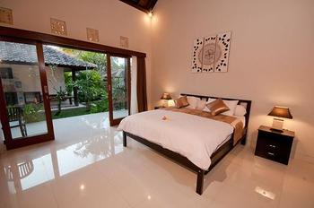 Matra Bali Guesthouse Bali - Deluxe  Room Regular Plan