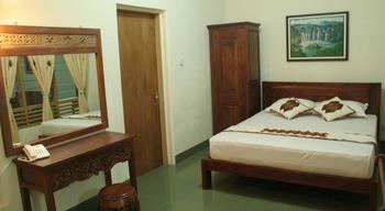 Maharani Guest House Yogyakarta - Superior Room Regular Plan