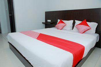 OYO 1325 Grand Wisata Hotel Palu - Standard Double Room Regular Plan