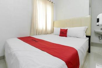 RedDoorz near Siloam Hospital Palembang Palembang - RedDoorz Room with Breakfast Regular Plan