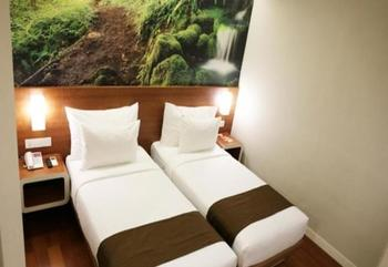 Citihub Hotel at Mayjen Sungkono Surabaya - Standard Twin Room Only Regular Plan