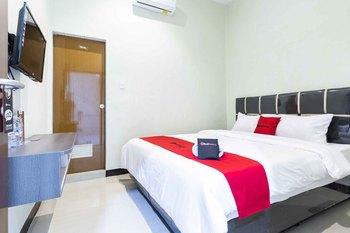 RedDoorz near Medan Amplas Medan - RedDoorz Room Regular Plan