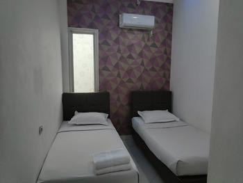 OYO 3428 Hotel Marimar Palangka Raya - Standard Twin Room Regular Plan