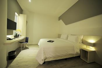 Ozone Hotel Jakarta - Superior Room Only Regular Plan