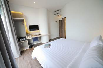 Ozone Hotel Jakarta - Deluxe Room Only Regular Plan