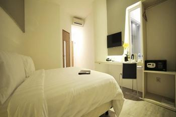 Ozone Hotel Jakarta - Deluxe Room Only Regular Plan