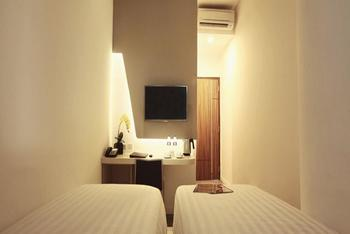 Ozone Hotel Jakarta - Superior Room With Breakfast Regular Plan