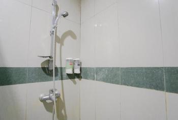 V3 Hotel Surabaya - Deluxe Room Regular Plan
