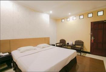 V3 Hotel Surabaya - Deluxe Room Only Regular Plan