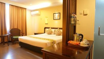 Losari Beach Hotel Makassar - Kamar Deluxe Hot Deal 35%