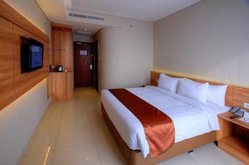 Antero Hotel Jababeka by Prasanthi Bekasi - Deluxe Room MINIMUM STAY 52%