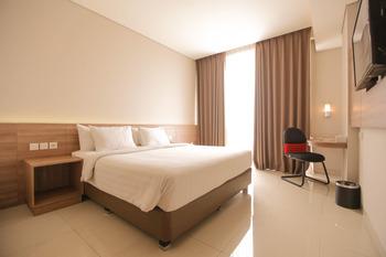 Antero Hotel Jababeka Bekasi - Deluxe Room Only Promo Stay Hepi
