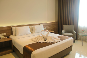 Antero Hotel Jababeka Bekasi - Super Deluxe Room Only 55% Discount!!!