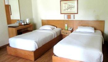Topas Galeria Hotel Bandung - Superior Twin Regular Plan