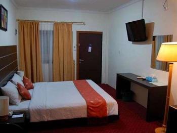 Hotel Grand Sari  Padang - Deluxe Room Only Regular Plan