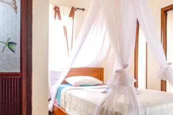 Griya Siena Munduk Bali - Standard Room KETUPAT