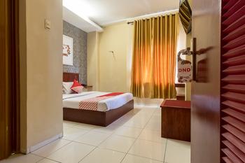 OYO 615 Residence Puri Hotel Syariah Medan -  Deluxe Double Room Regular Plan