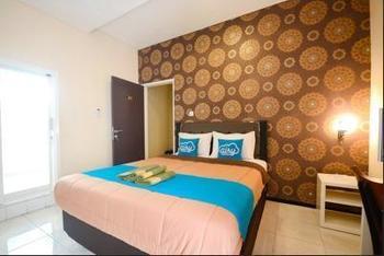 Airy Syariah Lowokwaru Gajayana 567 Malang - Deluxe Double Room Only Regular Plan