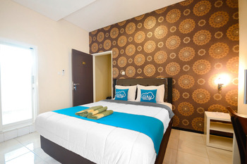 Airy Syariah Lowokwaru Gajayana 567 Malang - Deluxe Double Room Only Special Promo 7