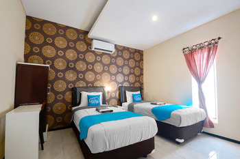 Airy Syariah Lowokwaru Gajayana 567 Malang - Deluxe Twin Room Only Regular Plan