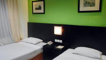 Lotus Garden Hotel Kediri - Junior Room Only KETUPAT
