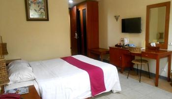 Lotus Garden Hotel Kediri - Superior Room Regular Plan