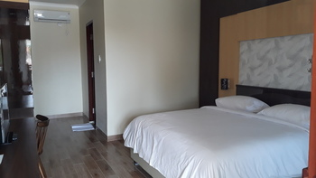 Bos Hotel Sungailiat Bangka - Super Deluxe Room Regular Plan