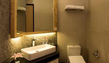 Ayaartta Hotel Malioboro Yogyakarta - Deluxe Room Only LUXURY - Pegipegi Promotion