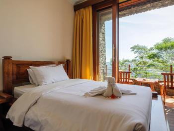 Lakeview Hotel & Restaurant Bali - Deluxe Double Room Regular Plan