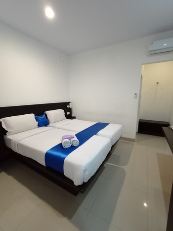 Puri Maju Jakarta - Deluxe Twin Room Only Regular Plan