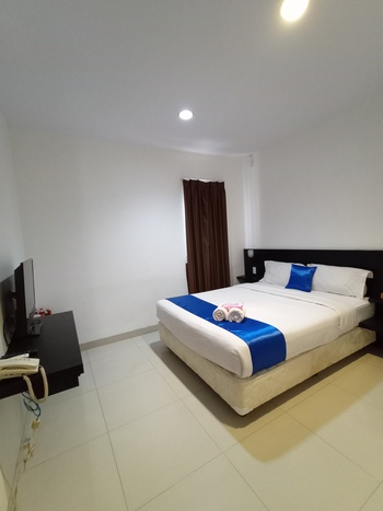 Puri Maju Jakarta - Deluxe Double Room Only Regular Plan