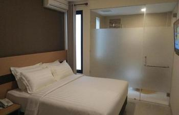 Sumi Hotel Surabaya - Standart Room Regular Plan
