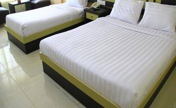 Sampurna Jaya Hotel Tanjung Pinang - Superior Triple Room Only BASIC DEAL 15% OFF