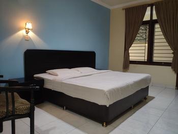 Hotel Setia Budi Madiun - Standard Room 2 nights stay