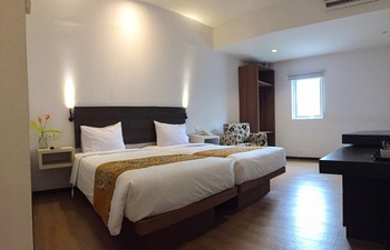 Sunwood Arianz Hotel managed by BENCOOLEN Mataram - Deluxe Room  LAST MINUTE 10%
