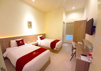 Hadi Park Surabaya - Twin Room Regular Plan