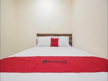RedDoorz @ Meruya 2 Jakarta - RedDoorz Room with Breakfast 2N