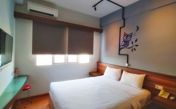 Everyday Smart Hotel Mangga Besar Jakarta - Bright Day Large Bed - Room Only  Promo PDKT