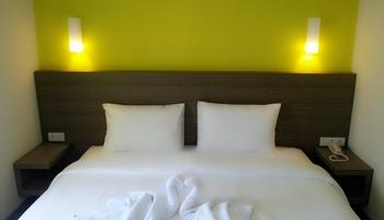 IZI Hotel Bogor -  IZI Superior Twin Bed with Breakfast Regular Plan