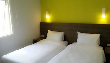 IZI Hotel Bogor -  IZI Superior Twin Bed Room Only Regular Plan