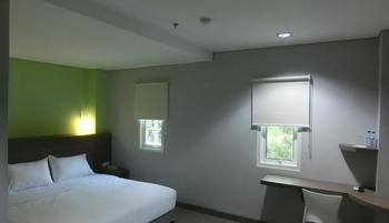 IZI Hotel Bogor - IZI Deluxe Double Bed Room Only Regular Plan
