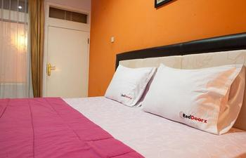 RedDoorz near RS Hermina Pasteur Bandung - RedDoorz Room Regular Plan