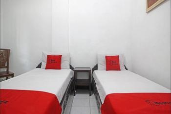 RedDoorz Plus @ Taman Siswa 3 Yogyakarta - RedDoorz Twin Room Last Minute